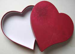 Heart-shaped-box-001.jpg